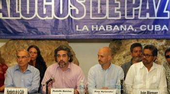 Foto 4 - Anuncio Comisión de la Verdad - EFE